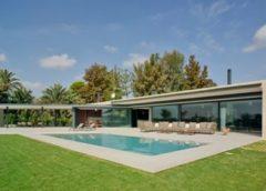 Dom z panoramiczną fasadą